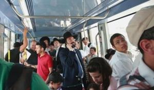 Light_tram_Jerusalem_shiyoukhi_AP