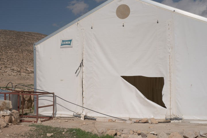 2015_11_19_Jinba_damaged_clinic_tent